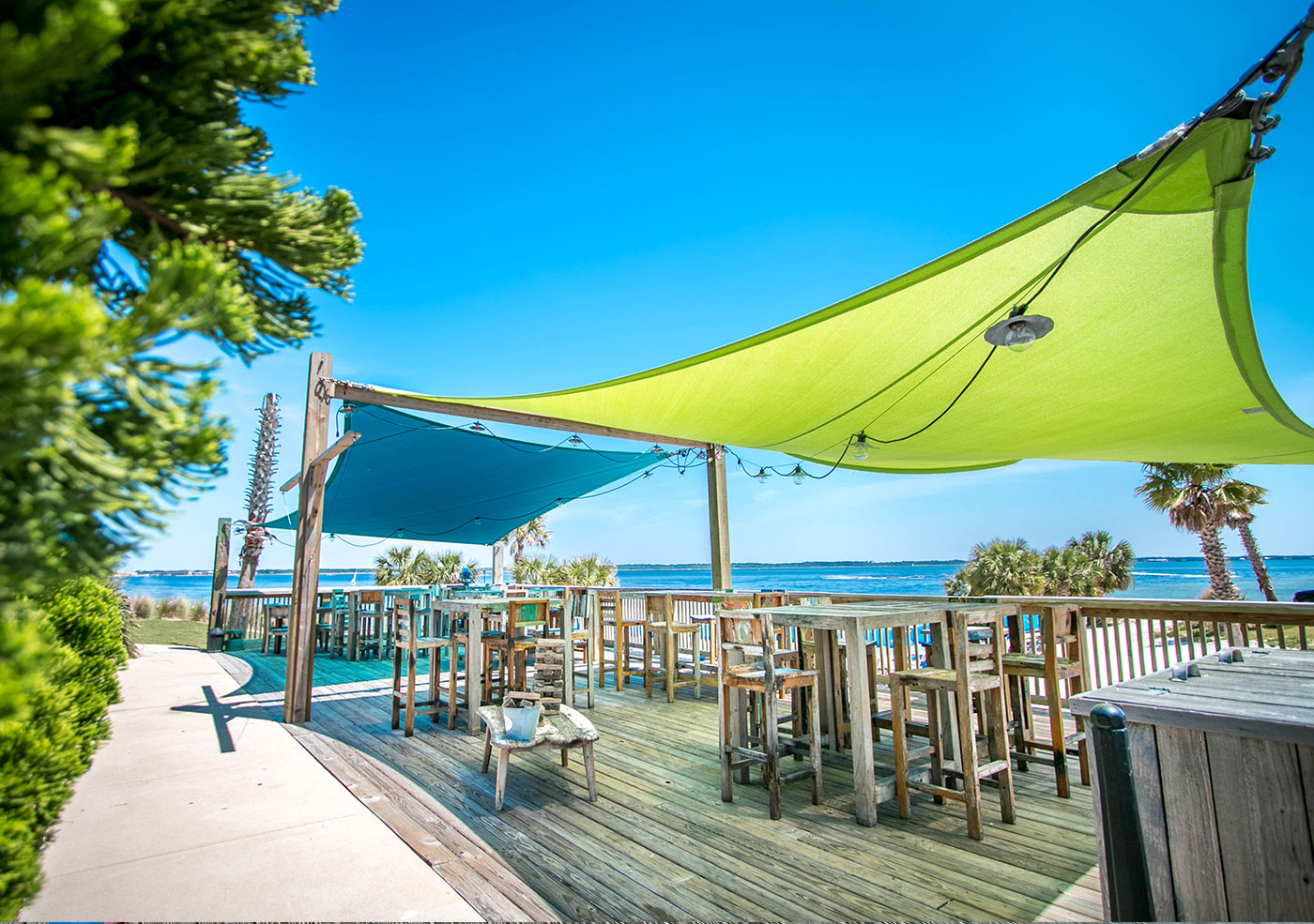 Restaurant pensacola beach fl red fish blue fish home for Fishing jobs in florida